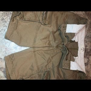 Hollister Classic Cargo Fit size 33